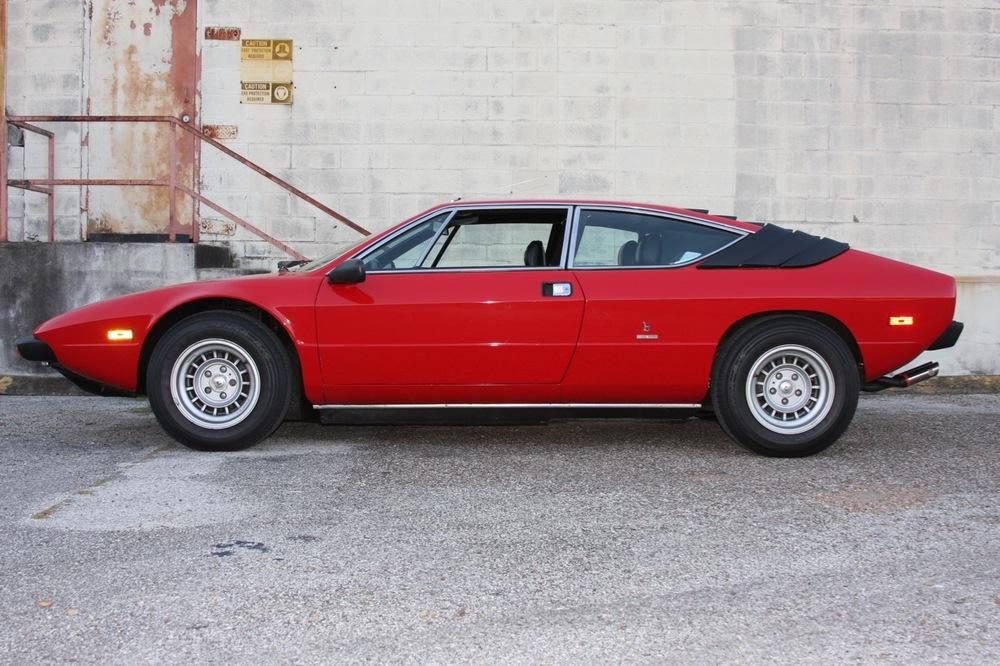 1975 Lamborghini Urraco P250 - 06 of 37.jpg