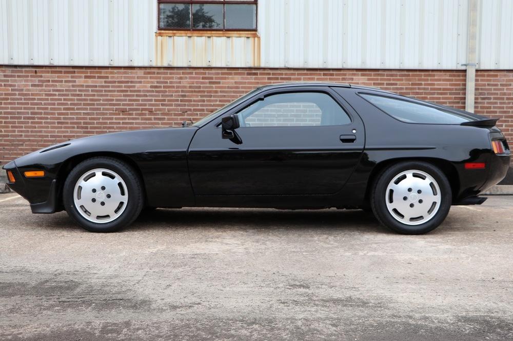 1986 Porsche 928S (GS860574) - 02 of 36.jpg
