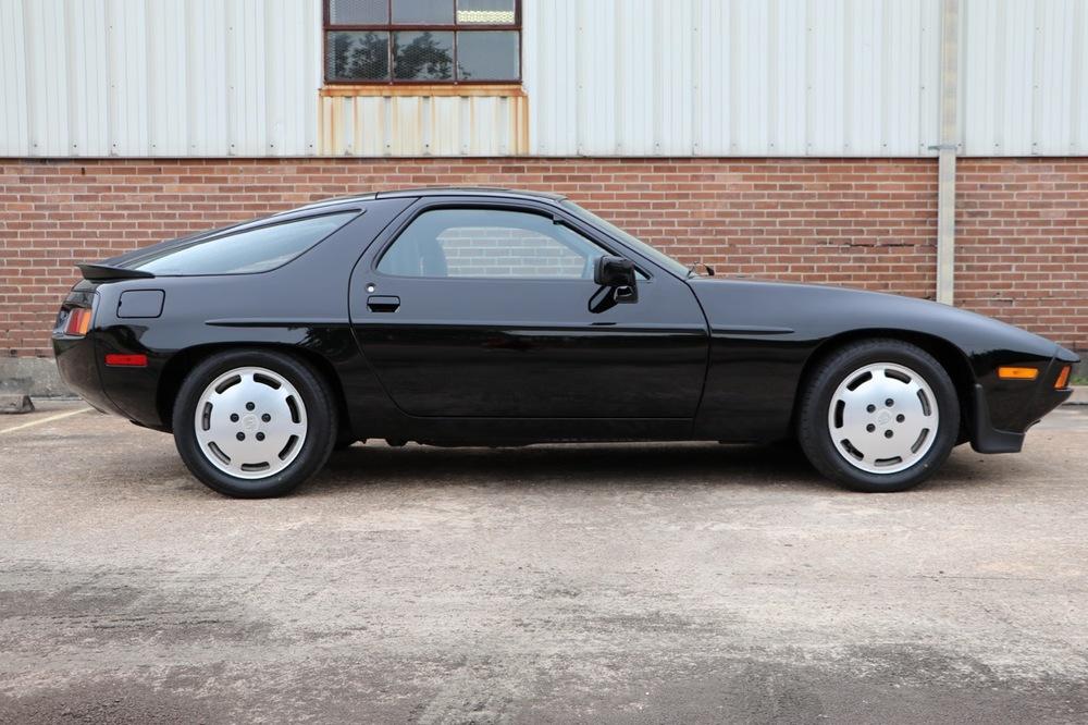 1986 Porsche 928S (GS860574) - 06 of 36.jpg