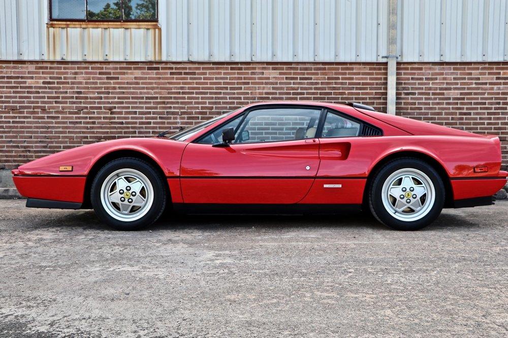 1988 Ferrari 328 GTB (77394) - 02.jpg