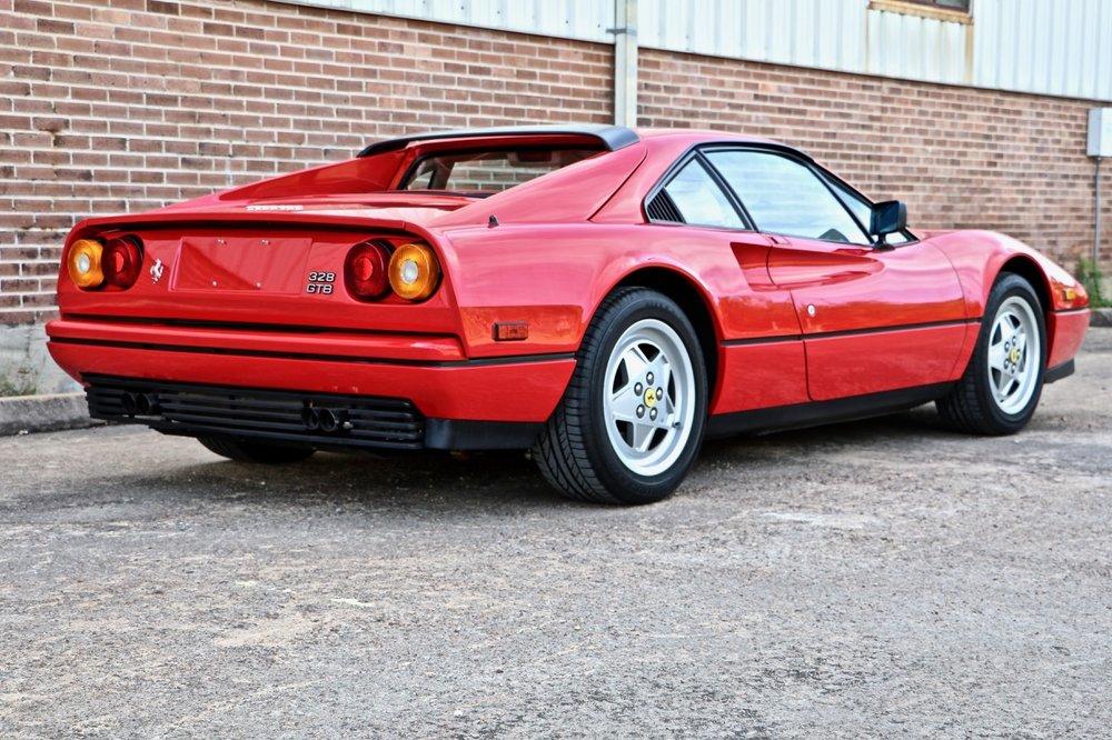 1988 Ferrari 328 GTB (77394) - 05.jpg