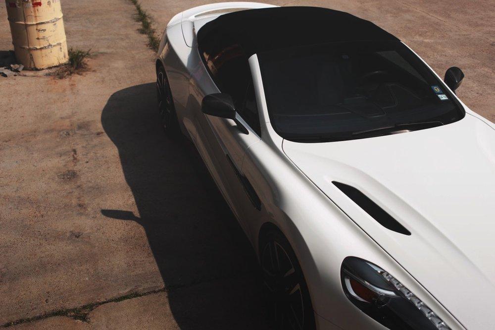2015 Aston Martin Vanquish Volante Carbon Edition (FGK02448) - 07.jpg