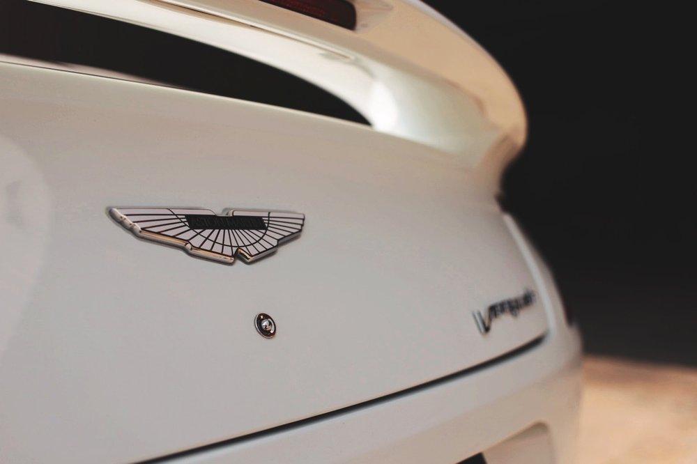 2015 Aston Martin Vanquish Volante Carbon Edition (FGK02448) - 09.jpg