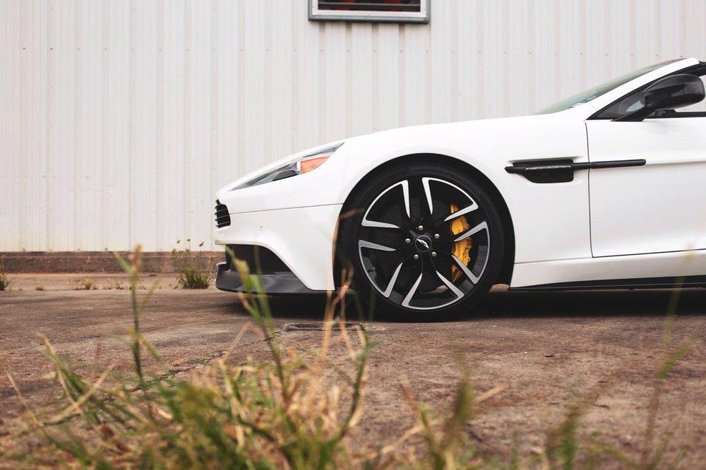 2015 Aston Martin Vanquish Volante Carbon Edition (FGK02448) - 10.jpg