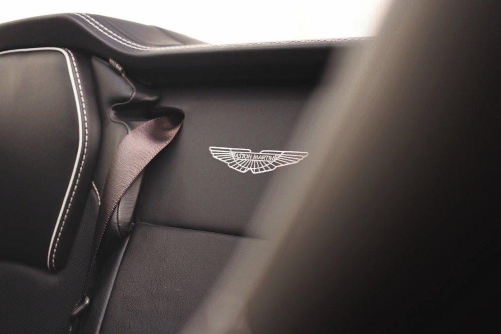 2015 Aston Martin Vanquish Volante Carbon Edition (FGK02448) - 22.jpg