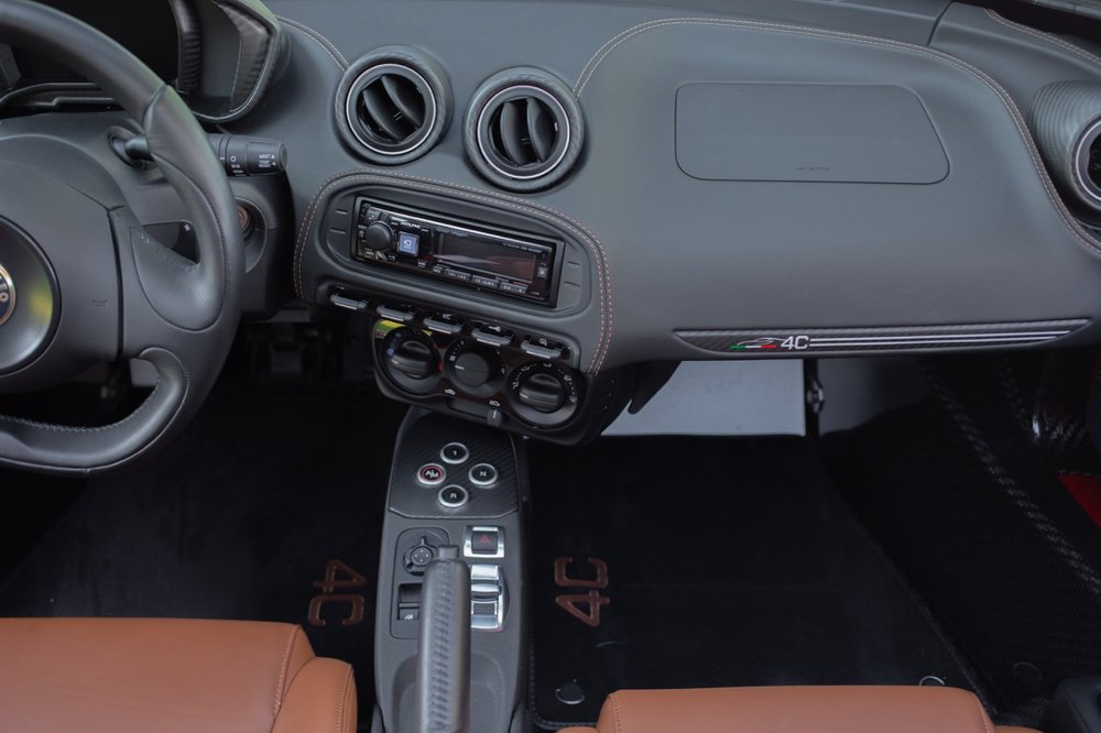 2016 Alfa Romeo 4C Spider (GM179731) - 50.jpg