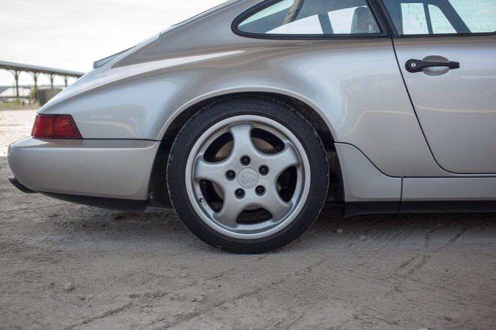 1990 Porsche 911 Carrera 2 (LS405914) - 28.jpg