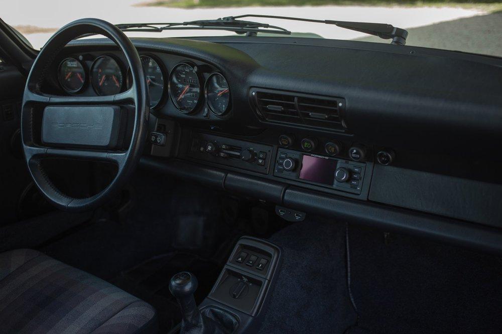 1990 Porsche 911 Carrera 2 (LS405914) - 43.jpg