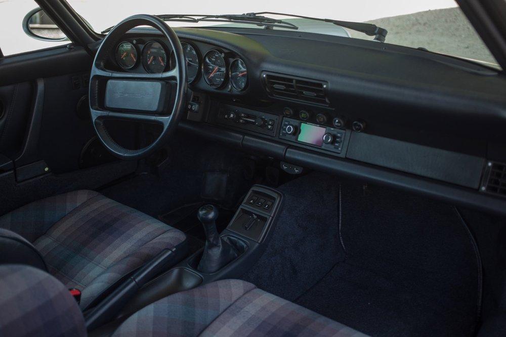 1990 Porsche 911 Carrera 2 (LS405914) - 44.jpg