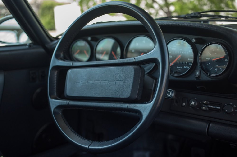 1990 Porsche 911 Carrera 2 (LS405914) - 46.jpg