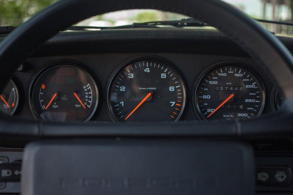 1990 Porsche 911 Carrera 2 (LS405914) - 51.jpg