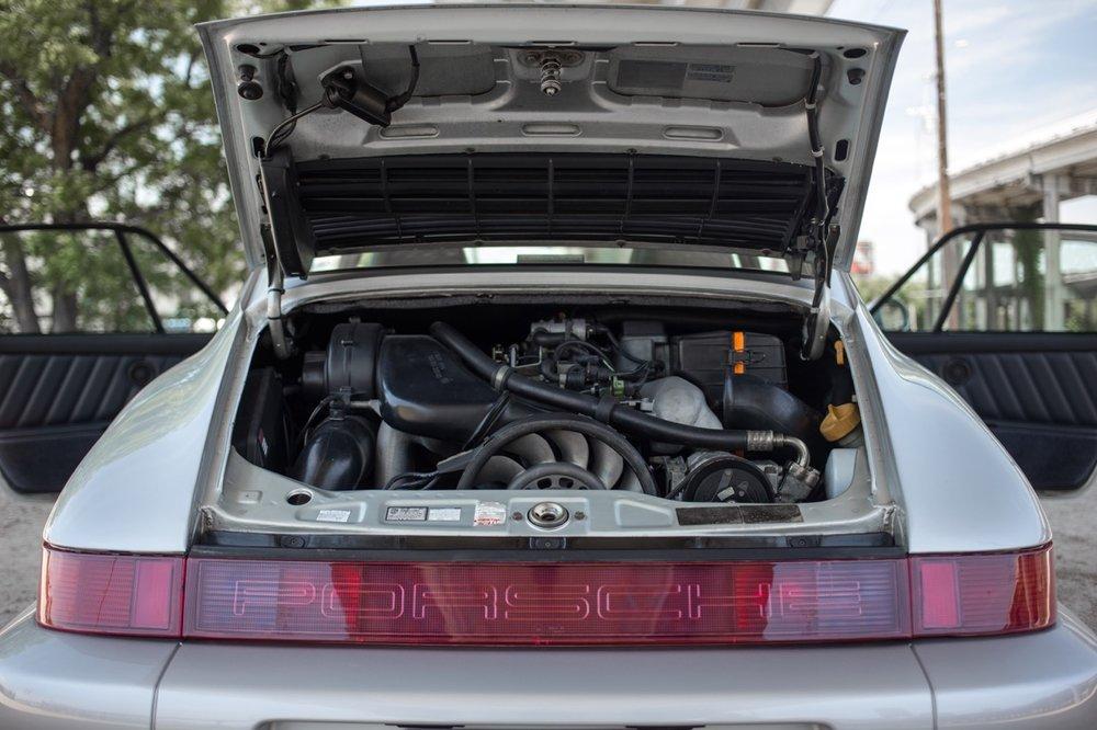 1990 Porsche 911 Carrera 2 (LS405914) - 75.jpg
