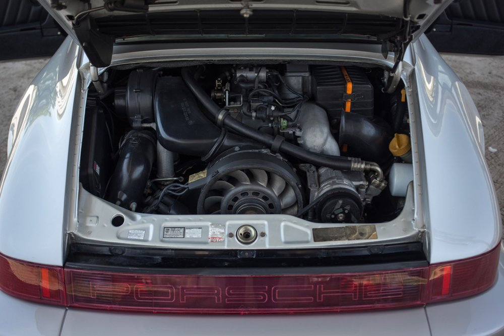 1990 Porsche 911 Carrera 2 (LS405914) - 76.jpg