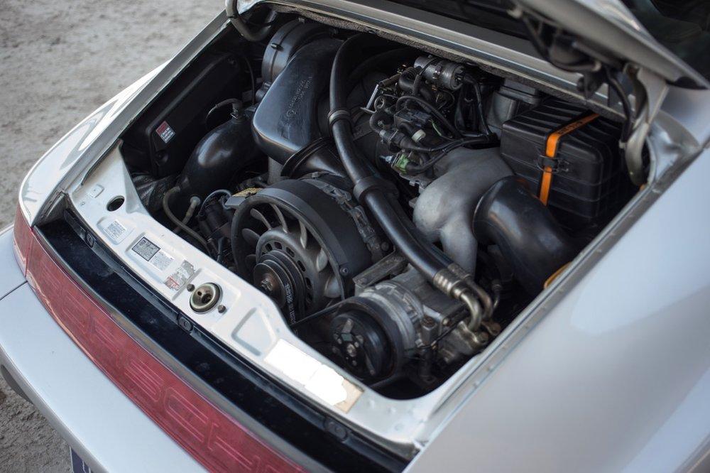 1990 Porsche 911 Carrera 2 (LS405914) - 78.jpg