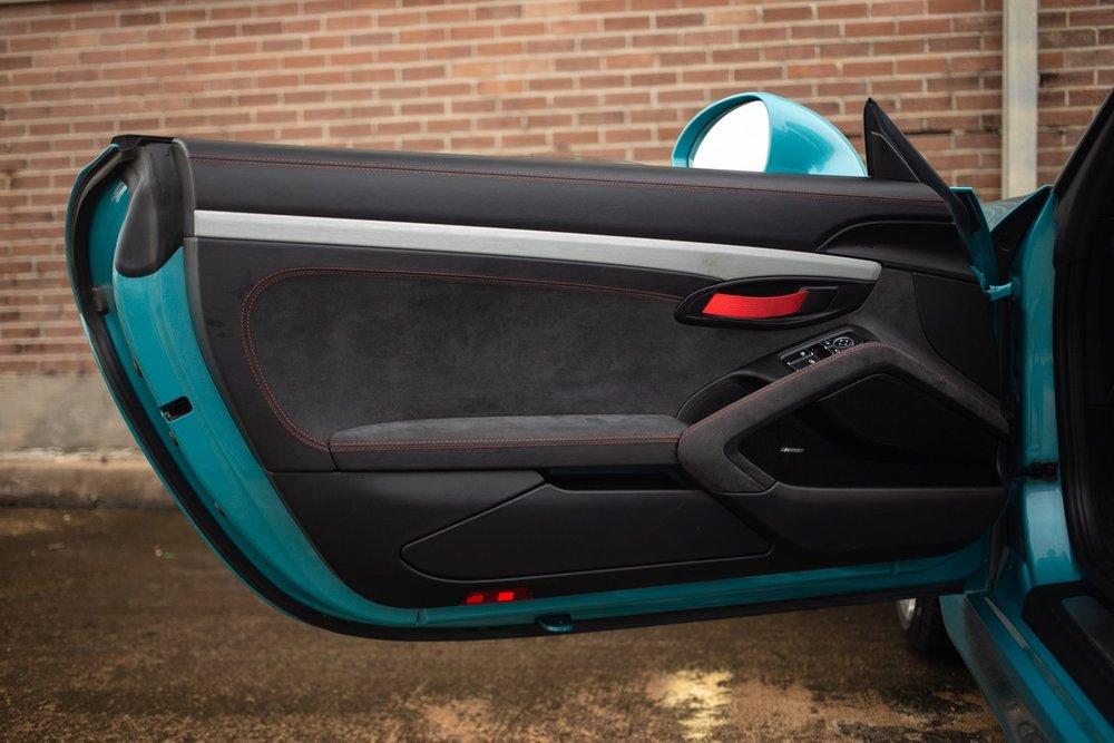 2016 Porsche Boxster Spyder (GS152671) - 36.jpg