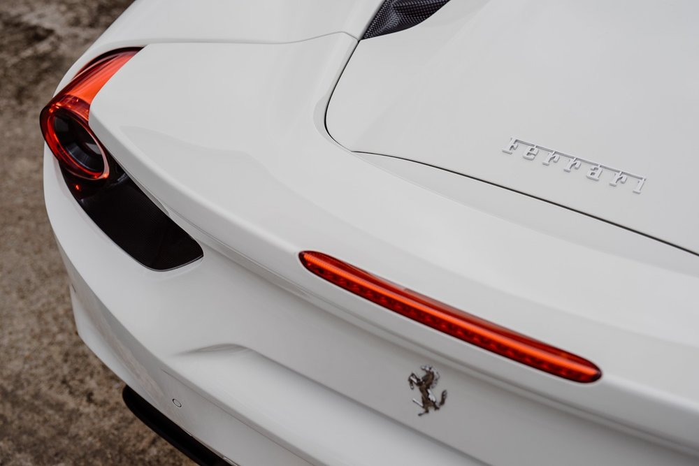 2017 Ferrari 488 Spider (H0222566) - 056.jpg