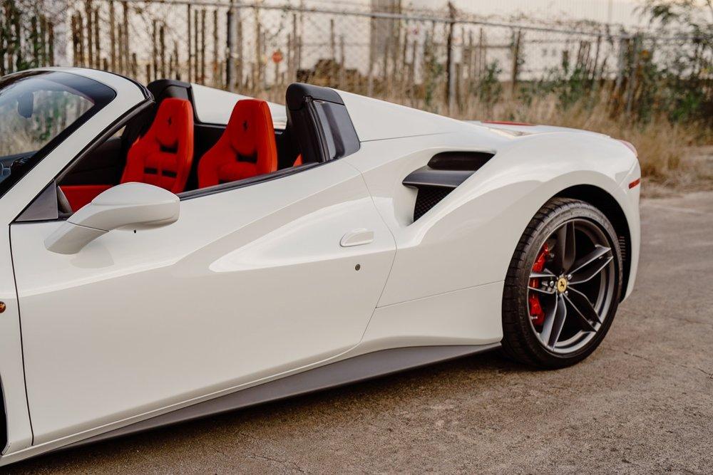 2017 Ferrari 488 Spider (H0222566) - 075.jpg