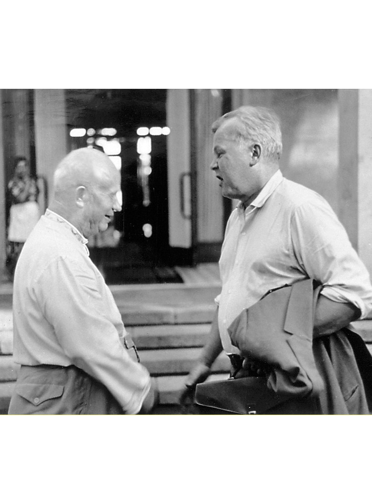 5.8 ┆     Nikita Khrushchev and Aleksandr Tvardovsky.   Pitsunda, early 1960s