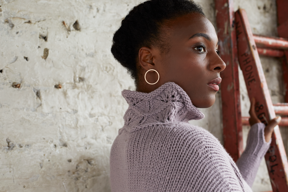 We're in love with the pretty lace neckline detail on Justyna's new sweater Tallat