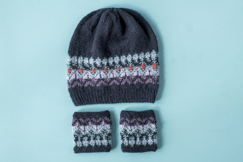 Bohus Wristwarmers and Hat.jpg