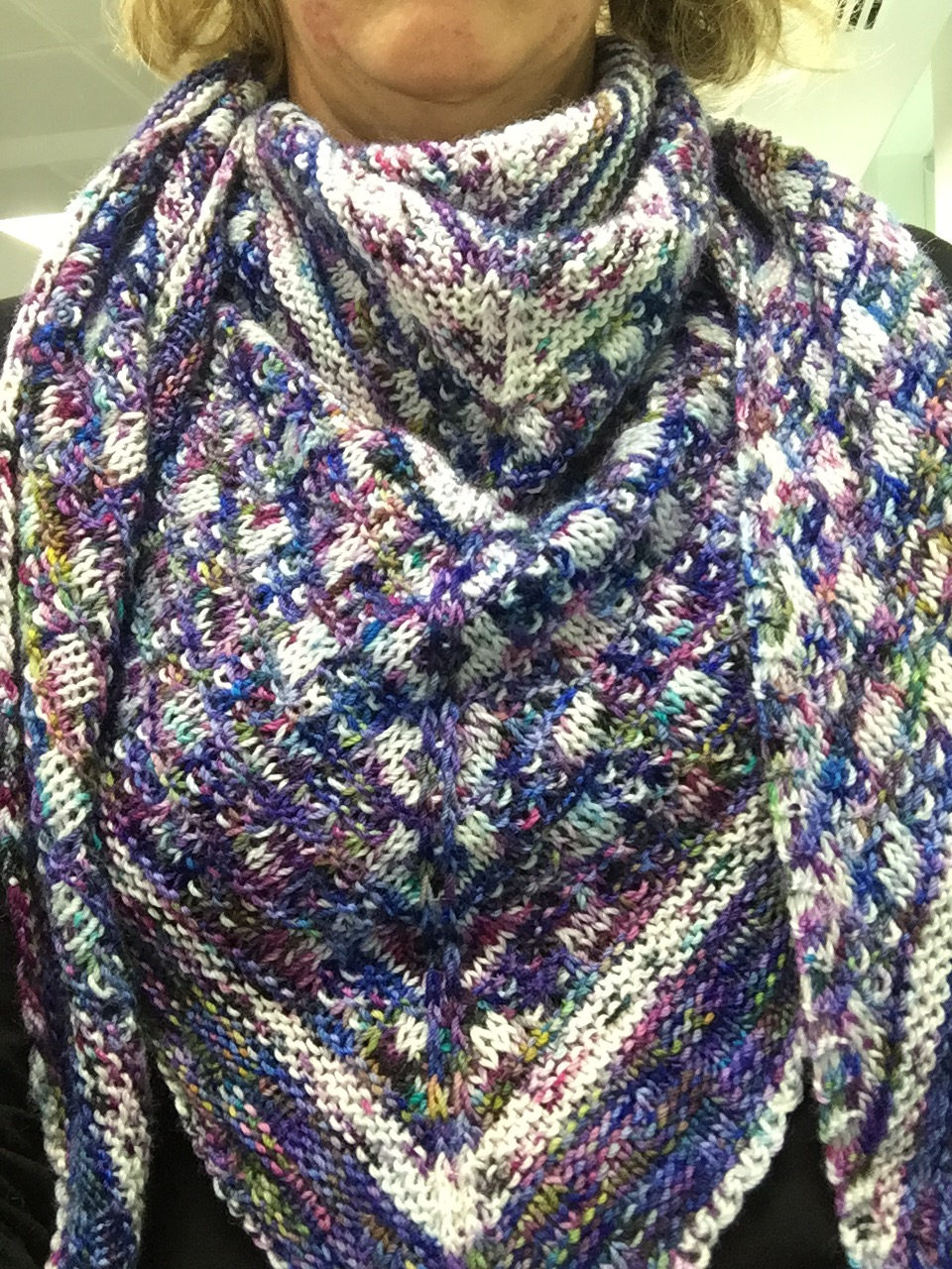 Rachel's finished Study Hall shawl in all it's speckle-y gorgeousness!