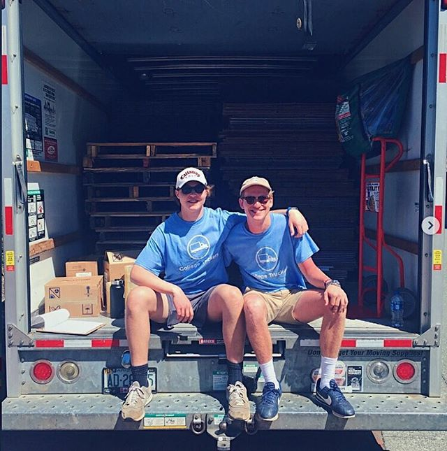 Moving out is one headache, packing is another. We thought we might help you out with that as well 🤔 Check out our UNC student partner Chris and one of his lifters Jack at our free packing supply pick-ups last move-out season!