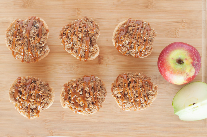 MINI CARAMEL APPLE PIES