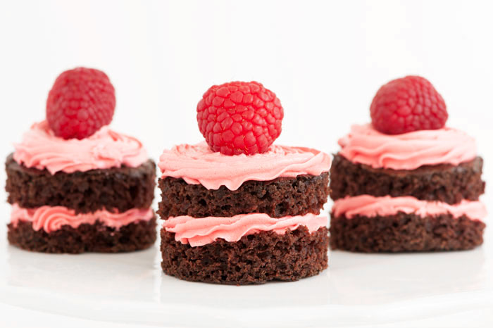 CHOCOLATE RASPBERRY MINI CAKES