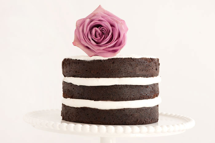 NAKED CHOCOLATE CAKE WITH FLORAL DETAIL