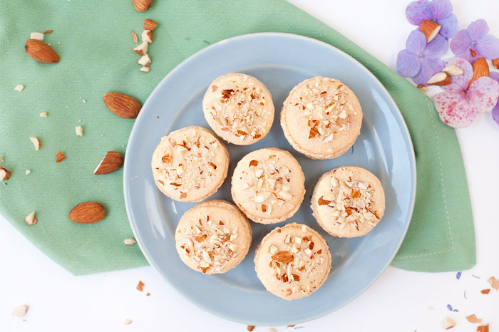 Vanilla Almond Macarons | Sprinkles for Breakfast