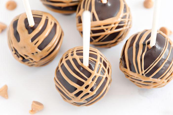 Chocolate Peanut Butter Cake Pops | Sprinkles for Breakfast