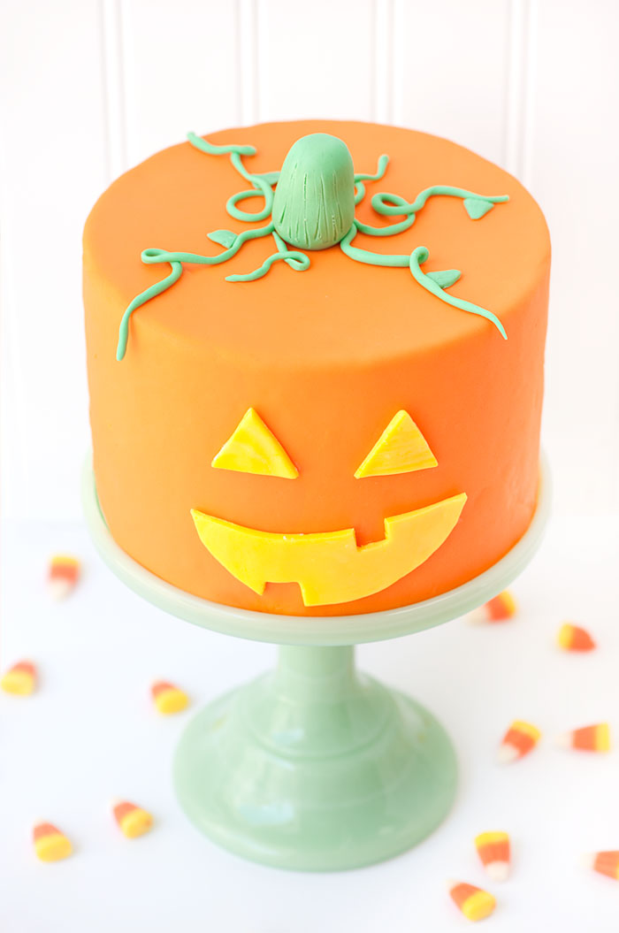 Jack-O-Lantern Cake | Sprinkles for Breakfast