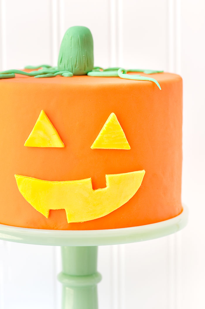 Jack - O - Lantern Halloween Cake | Sprinkles for Breakfast