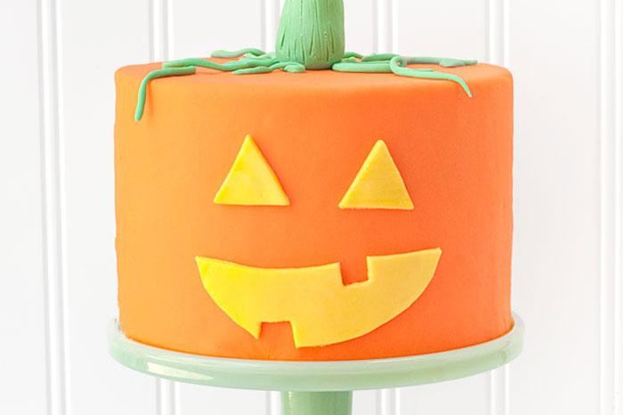 Jack - o - lantern cake