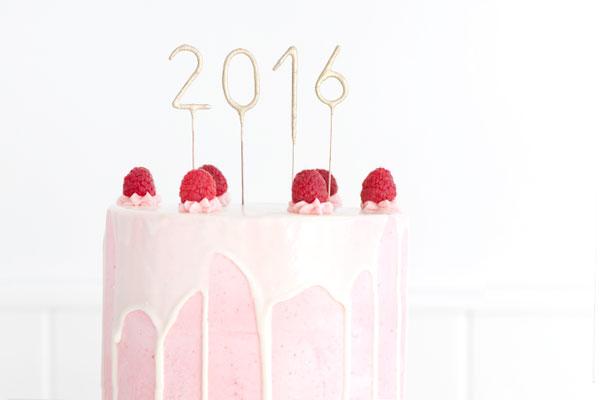White chocolate raspberry champagne cake