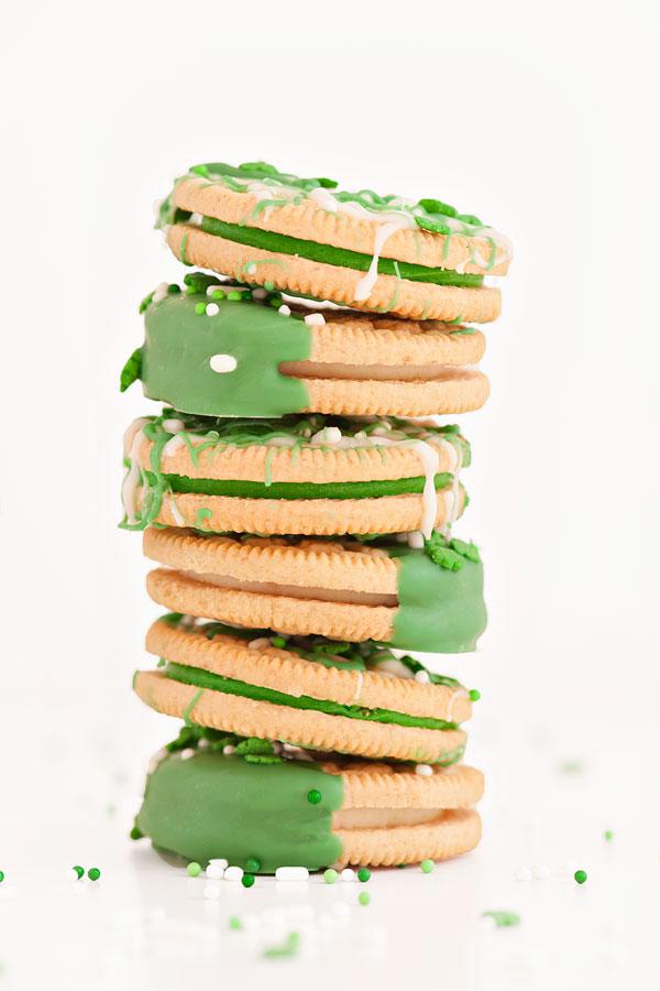 St. Patrick's Day Oreos   Sprinkles for Breakfast