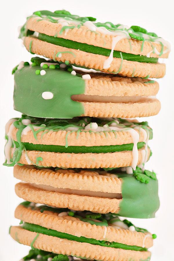 St.Patrick's Day Oreos   Sprinkles for Breakfast