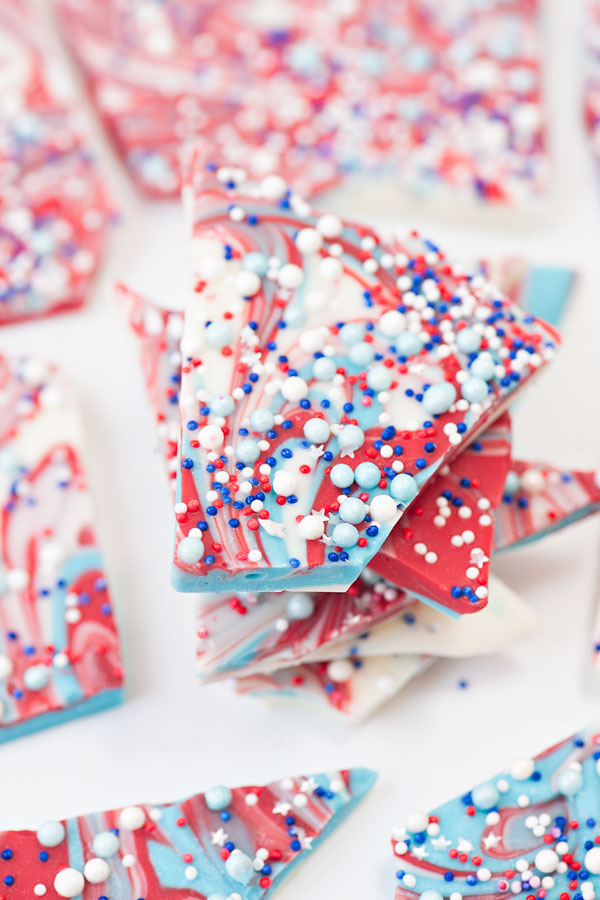 Easy Patriotic Bark | Sprinkles for Breakfast
