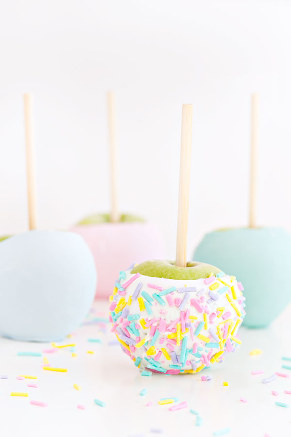 Chocolate Confetti Apples | Sprinkles for Breakfast