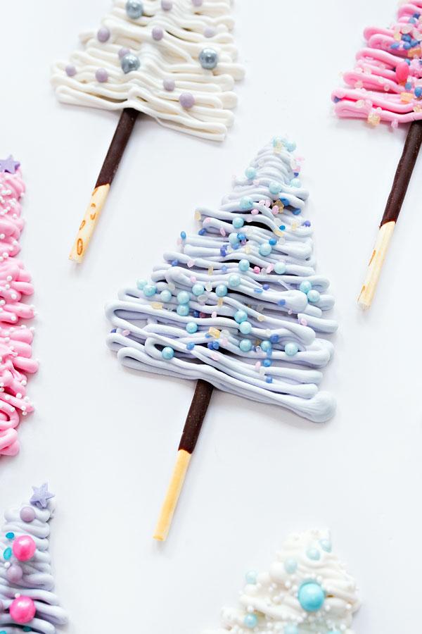 Winter Wonderland Cake | Sprinkles for Breakfast