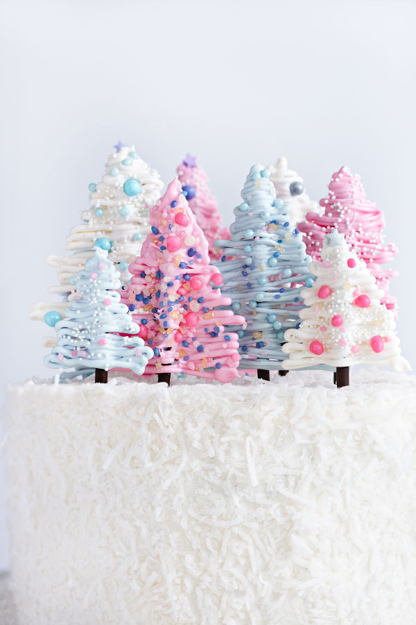 Winter Wonderland Cake | Sprinkles for Breakfast