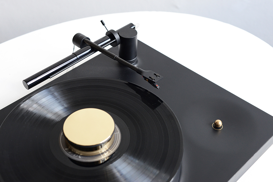LUFT turntable
