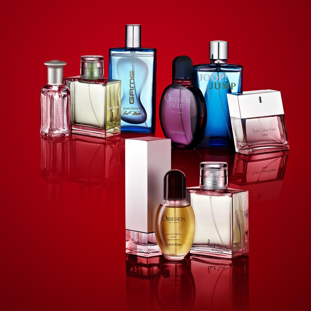 christmas perfume photography