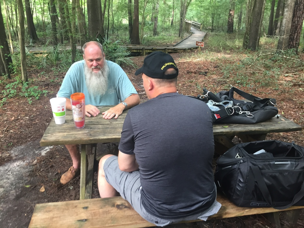 TDI Cave Instructor Rob McGann goes over the TDI Intro to Cave course knowledge with Tim.