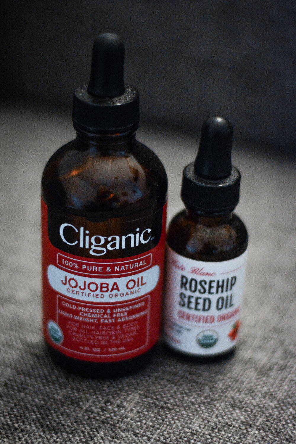 Jojoba oil can be used as a moisture rich treatment for dry and cracked skin, as well as wrinkles. You can also use it daily for an all around natural glow. This is why I use it as the foundation of my moisturizing routine!