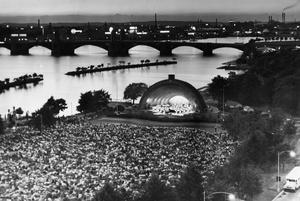 Glittering Opening Of Esplanade Concerts