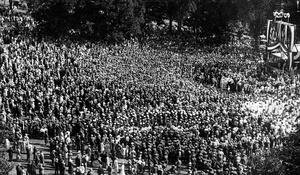 Pres. Calvin Coolidge Speaks In Cambridge 1925