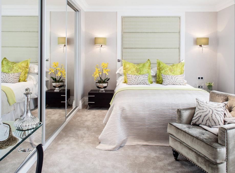 Bedroom Flowers.jpg