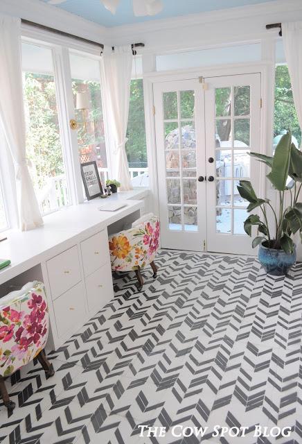 Graphic Floor Tiles!