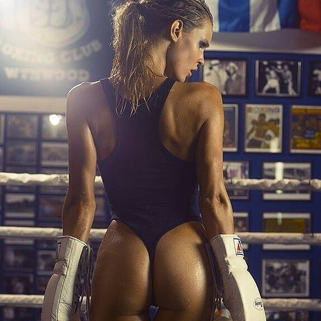 #WCW: K.O 🛎 | @joycorrigan  #knockout #ring #sweat #fitspiration #model #body #goals #cabanashow